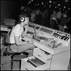 Quanto Ganha um DJ